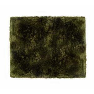 Ciemnozielony dywan z owczej skóry Royal Dream Zealand Natur, 130x150cm